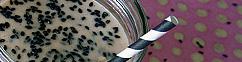 Papaja en zwarte sesamijs milkshake