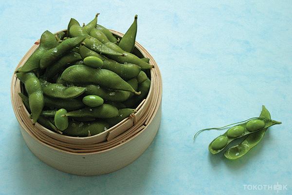 edamame jonge sojabonen met peulen op tokotheek