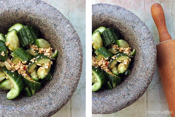 gekneusde komkommer in een Chinese zoetzure saus