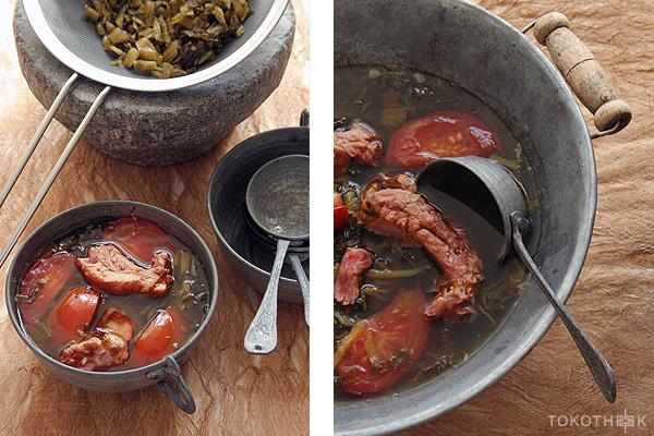 xue cai soep met varkensribjes en tomaten